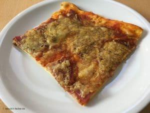Selbstgemachte Pizza - Stück