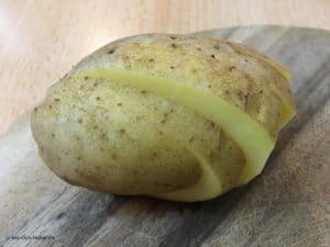 Rohe Kartoffel geschnitten