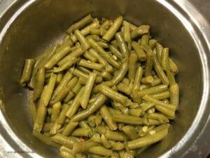 Bohnen im Kochtopf